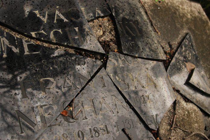 cemiteriodeolsany-04